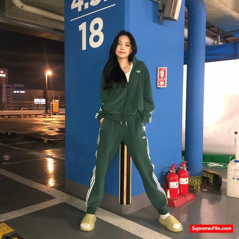 Melting Sadness x adidas Originals Superstar 女明星新爱球鞋