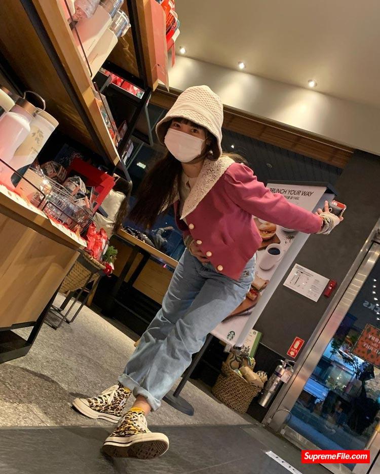 韩国女团明星球鞋上脚